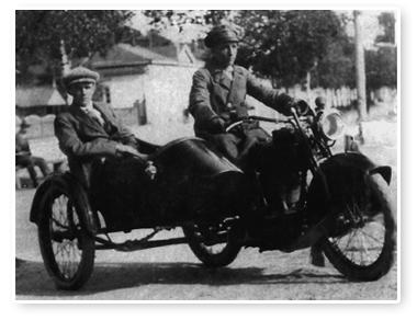 Kaj Forsblom moottoripyörä sivuvaunulla