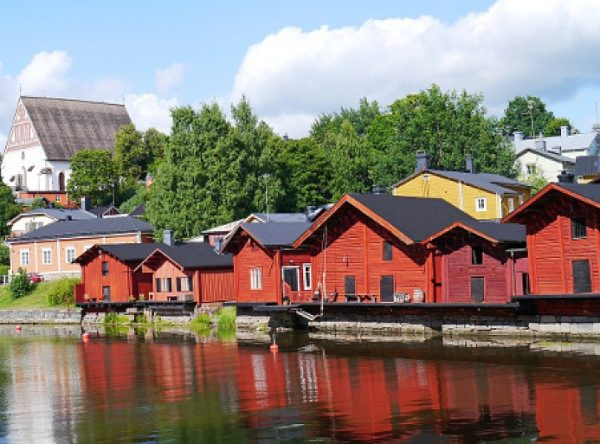 wooden-houses-768